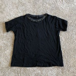 Neck beaded T-shirt
